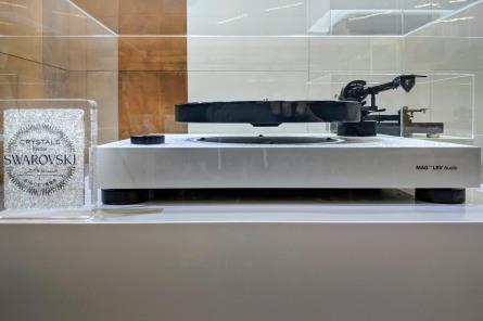 Swarovski bling bling on floating plater of MAG-LEV